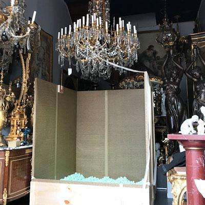 chandelier_crate